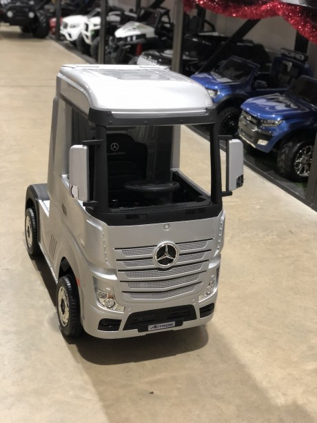 Painted Silver Licensed MERCEDES-BENZ ACTROS TRUCK Ride On Car-2