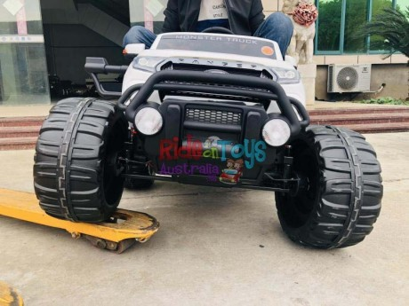 Licensed-Ford-Ranger-Monster Truck-Monster Jam-KIds-Ride-On-Toy-Car—Electric-Motorised-12Volt-24Volt-Parent-Remote-Touch Screen-4 motors-Shipping—Postage-Painted—Black-Darwin-Alice Springs-Northen Territory-NT