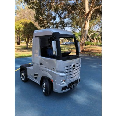 Painted Silver Licensed MERCEDES-BENZ ACTROS TRUCK Ride On Car